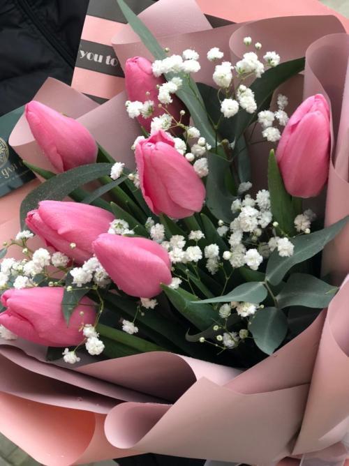 Милый букет из тюльпанов
