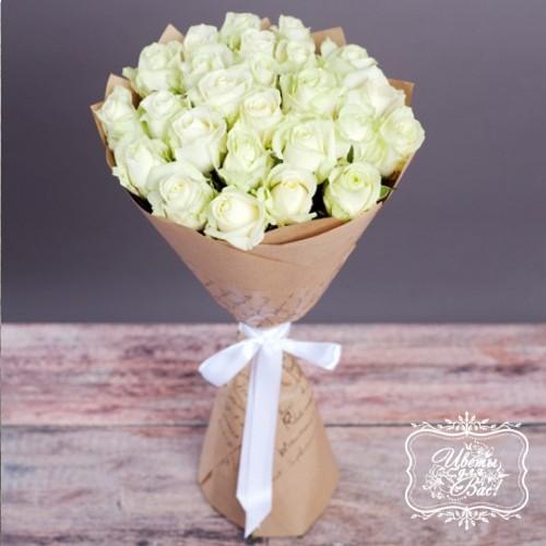 25 белых роз «Аваланж»