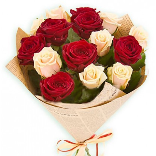 Контрастный букет роз